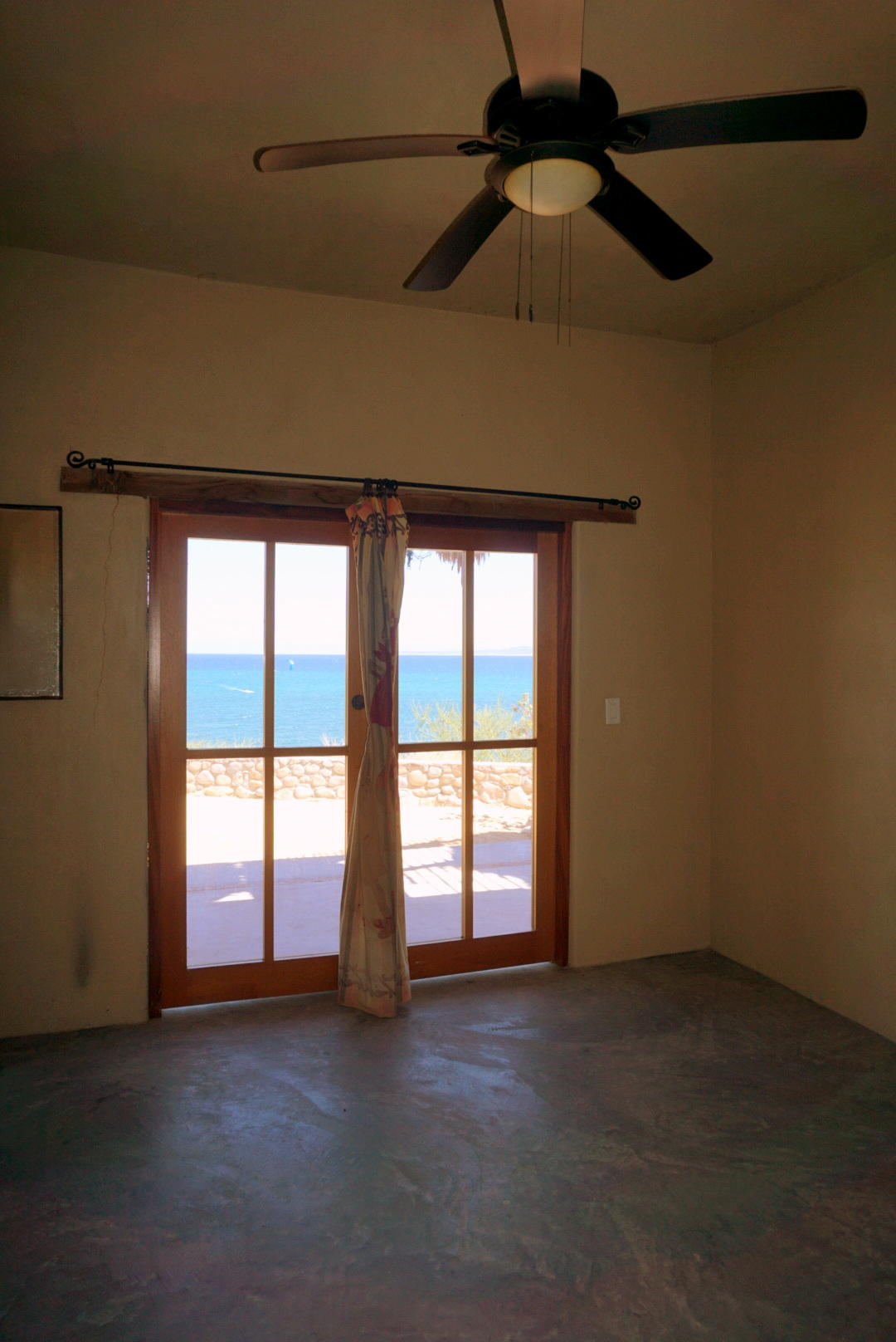 Beachfront 3BR Home-21