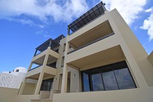 La Vista Condominios property for sale