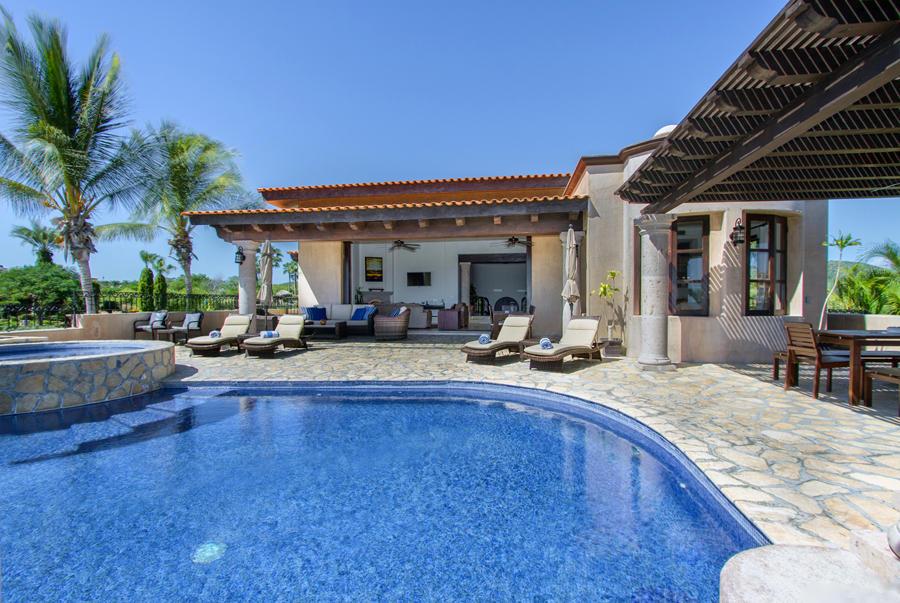 Villa Tequila Gold-27