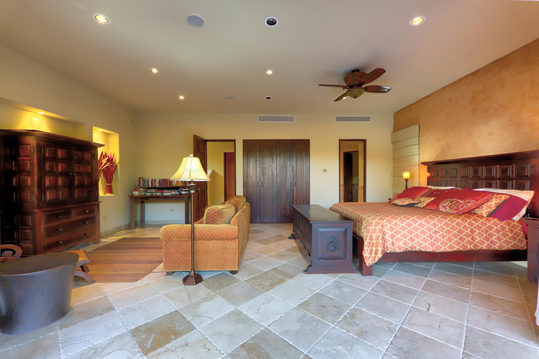 La Residencia 314-36