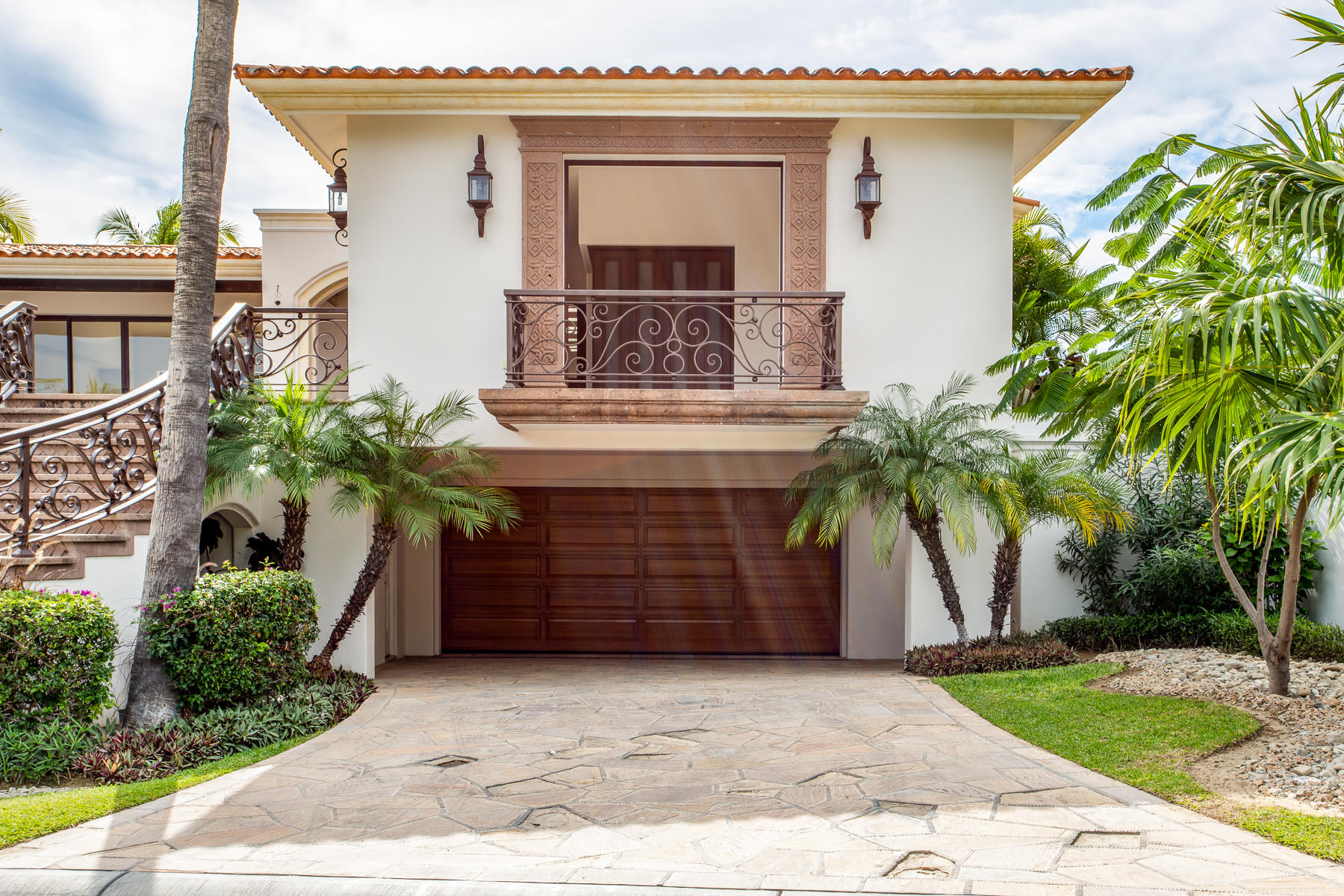 San Jose Corridor, 4 Bedrooms Bedrooms, ,4 BathroomsBathrooms,House,For Sale,Oceano Baja, San Jose del Cabo,18-2757
