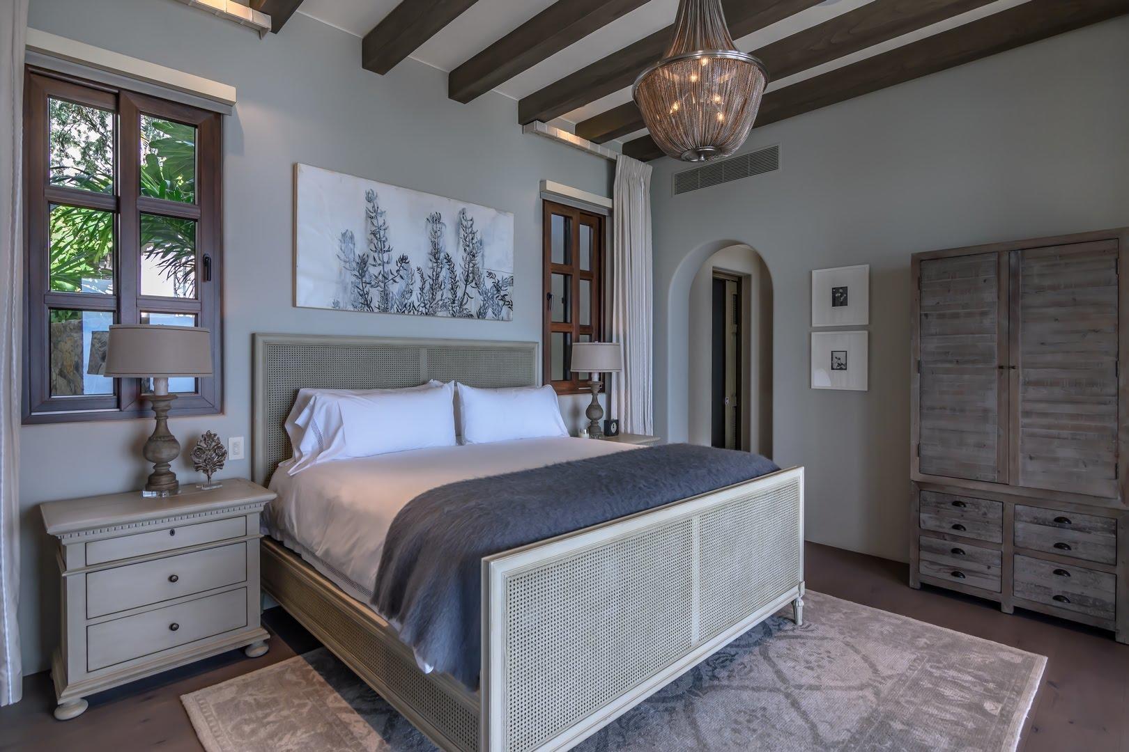 Villa La Montana 708-17