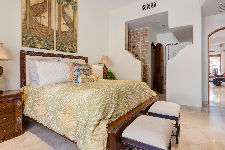 San Jose del Cabo, 4 Bedrooms Bedrooms, 8 Rooms Rooms,4 BathroomsBathrooms,Condo,For Sale,Avenida El Encanto,19-233