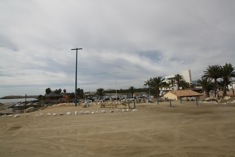 T s Beach Bar-25