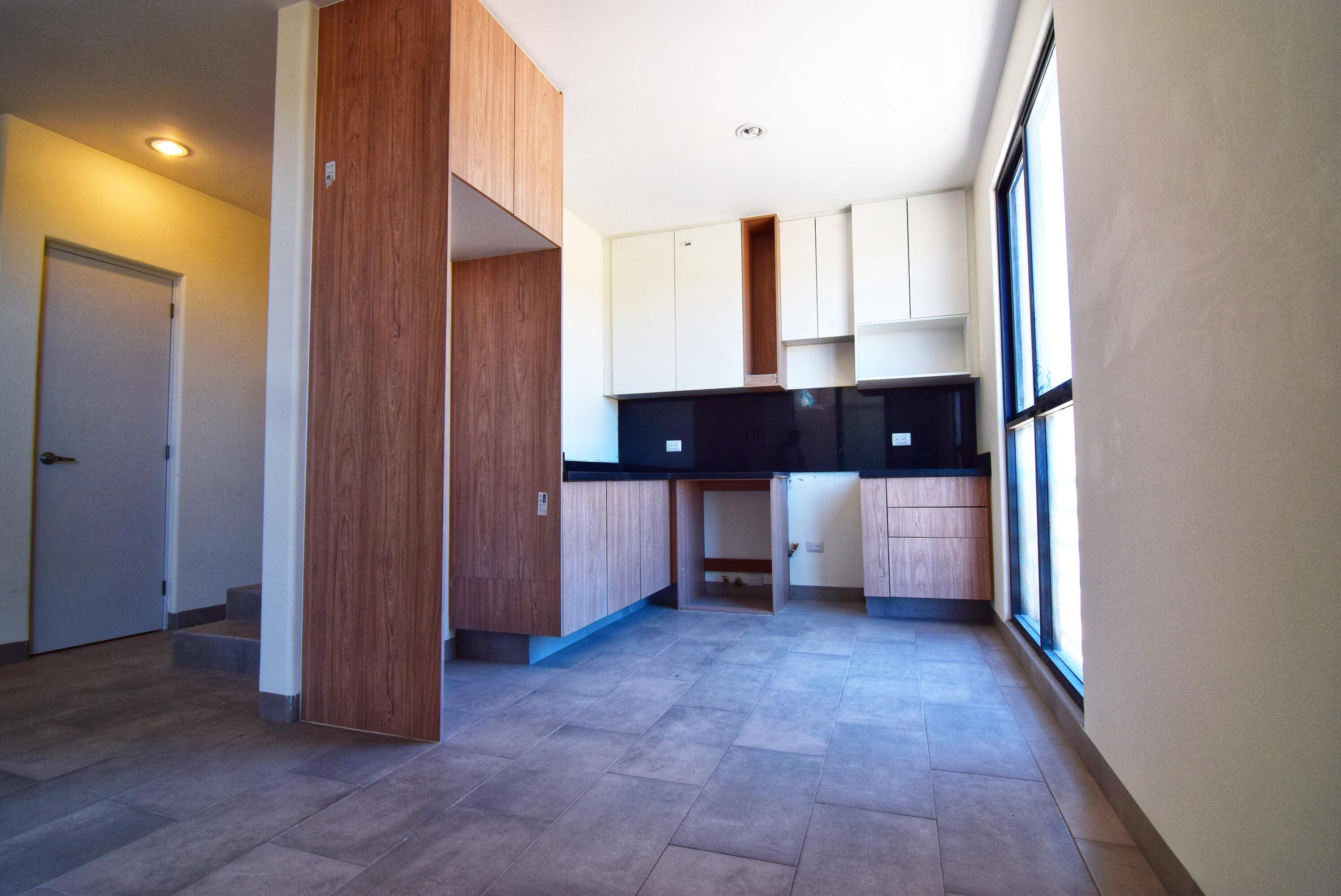 Pisces Real Estate   House   Townhome