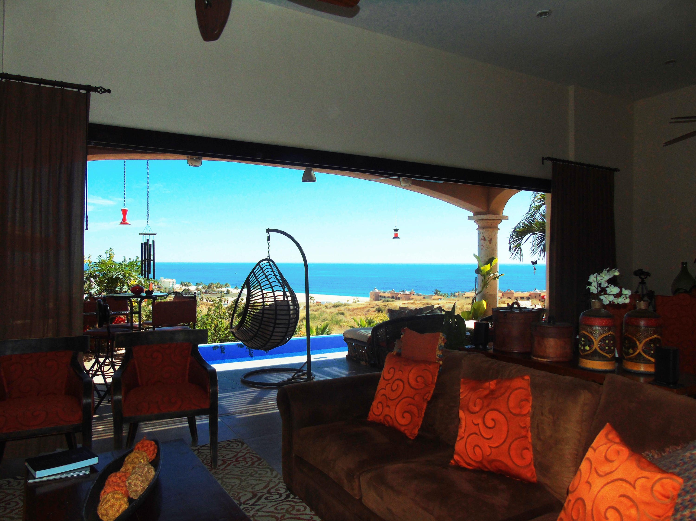 San Jose del Cabo, 3 Bedrooms Bedrooms, ,3 BathroomsBathrooms,House,For Sale,Calle Monte Victoria,19-405