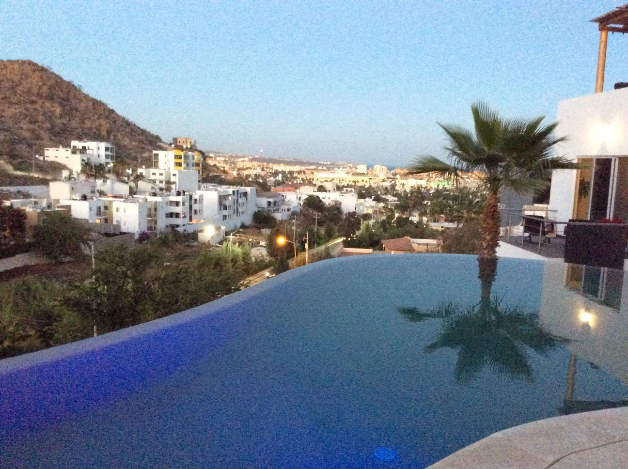 Cabo San Lucas, 2 Bedrooms Bedrooms, ,2 BathroomsBathrooms,Condo,For Sale,Delfines,19-652