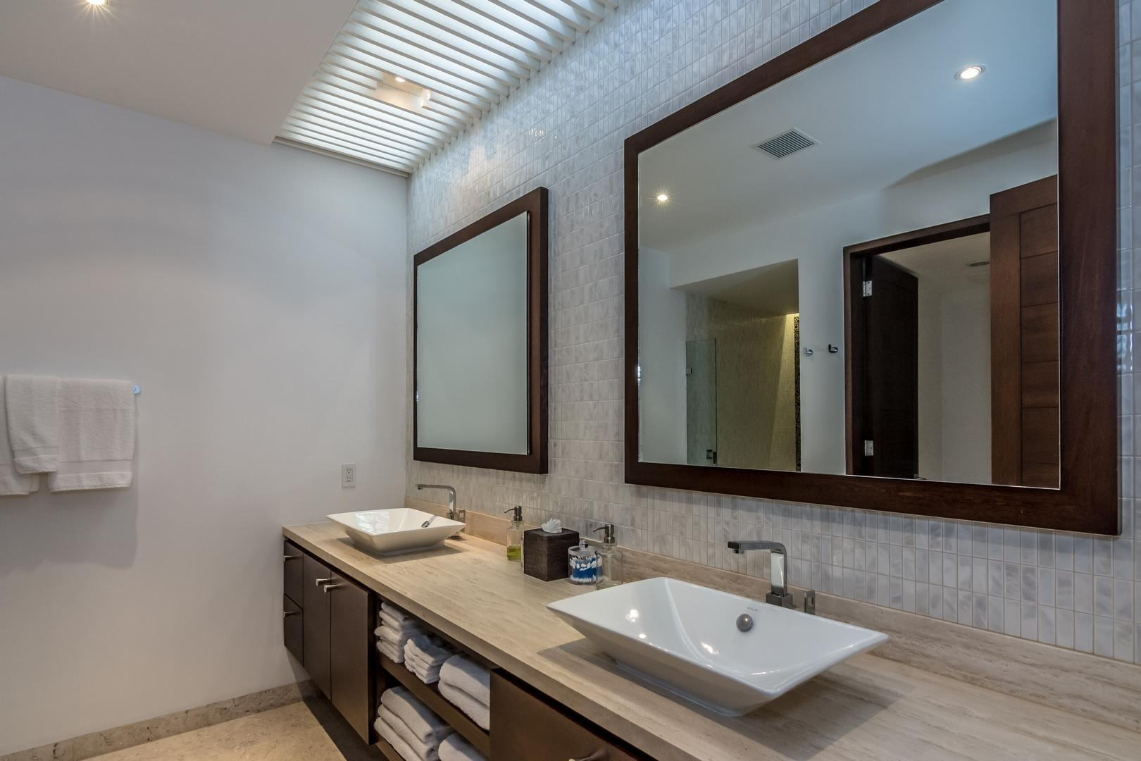 San Jose del Cabo, 4 Bedrooms Bedrooms, ,4 BathroomsBathrooms,House,For Sale,Avenida Padre Kino,19-723