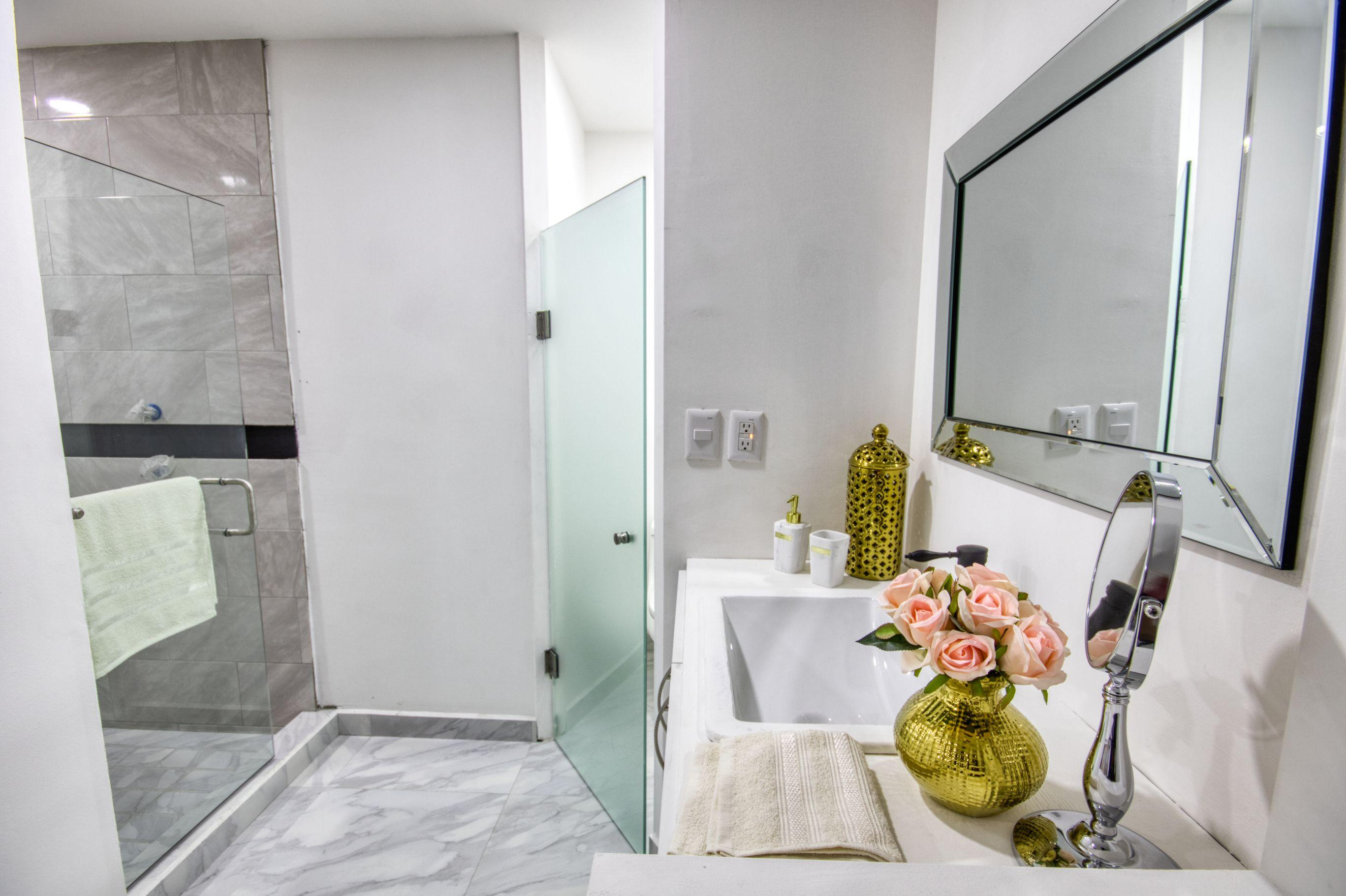 Cabo San Lucas, 2 Bedrooms Bedrooms, ,2 BathroomsBathrooms,Condo,For Sale,8 de Octubre,19-868