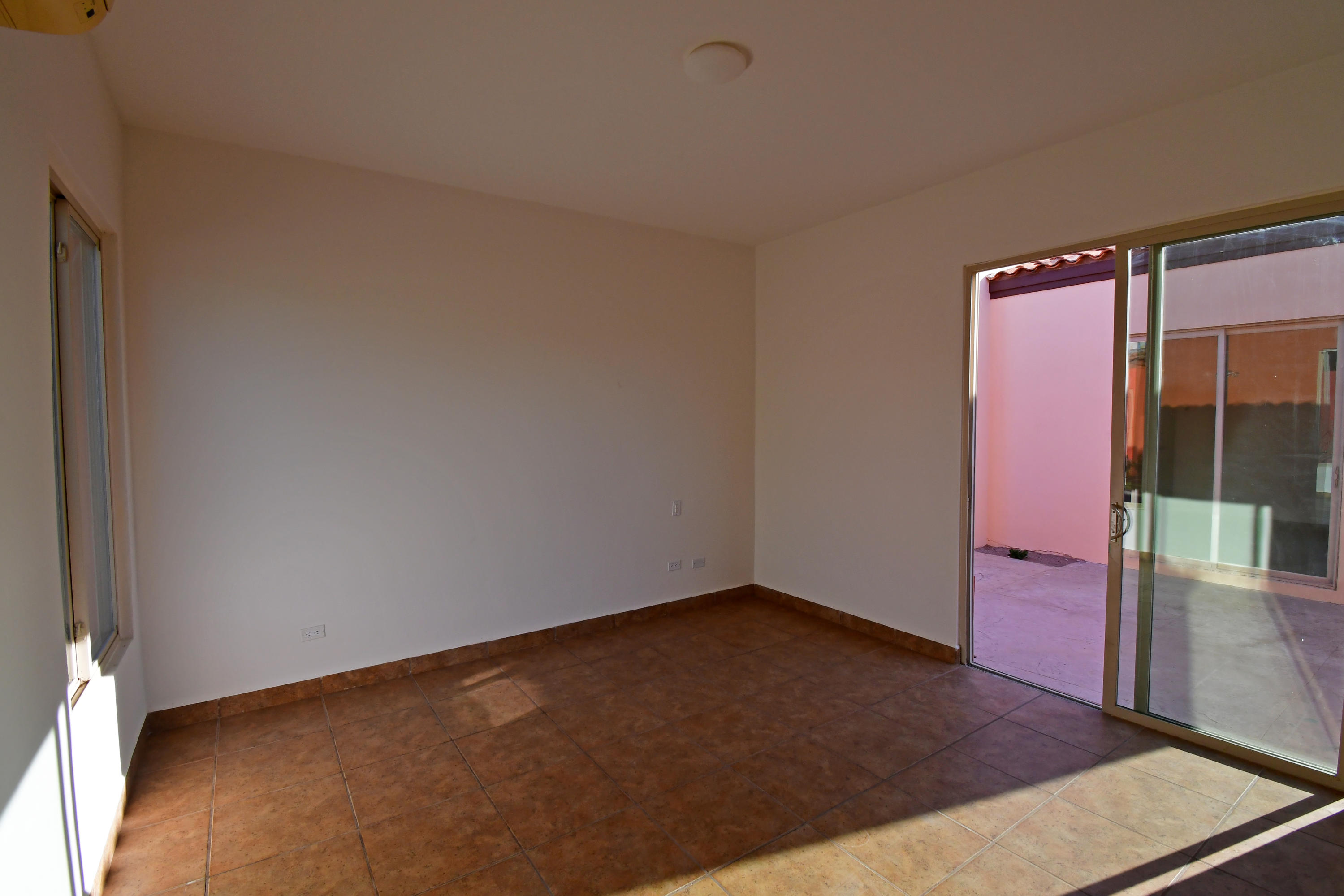 La Paz, 3 Bedrooms Bedrooms, ,3 BathroomsBathrooms,House,For Sale,Bugambiia,19-891