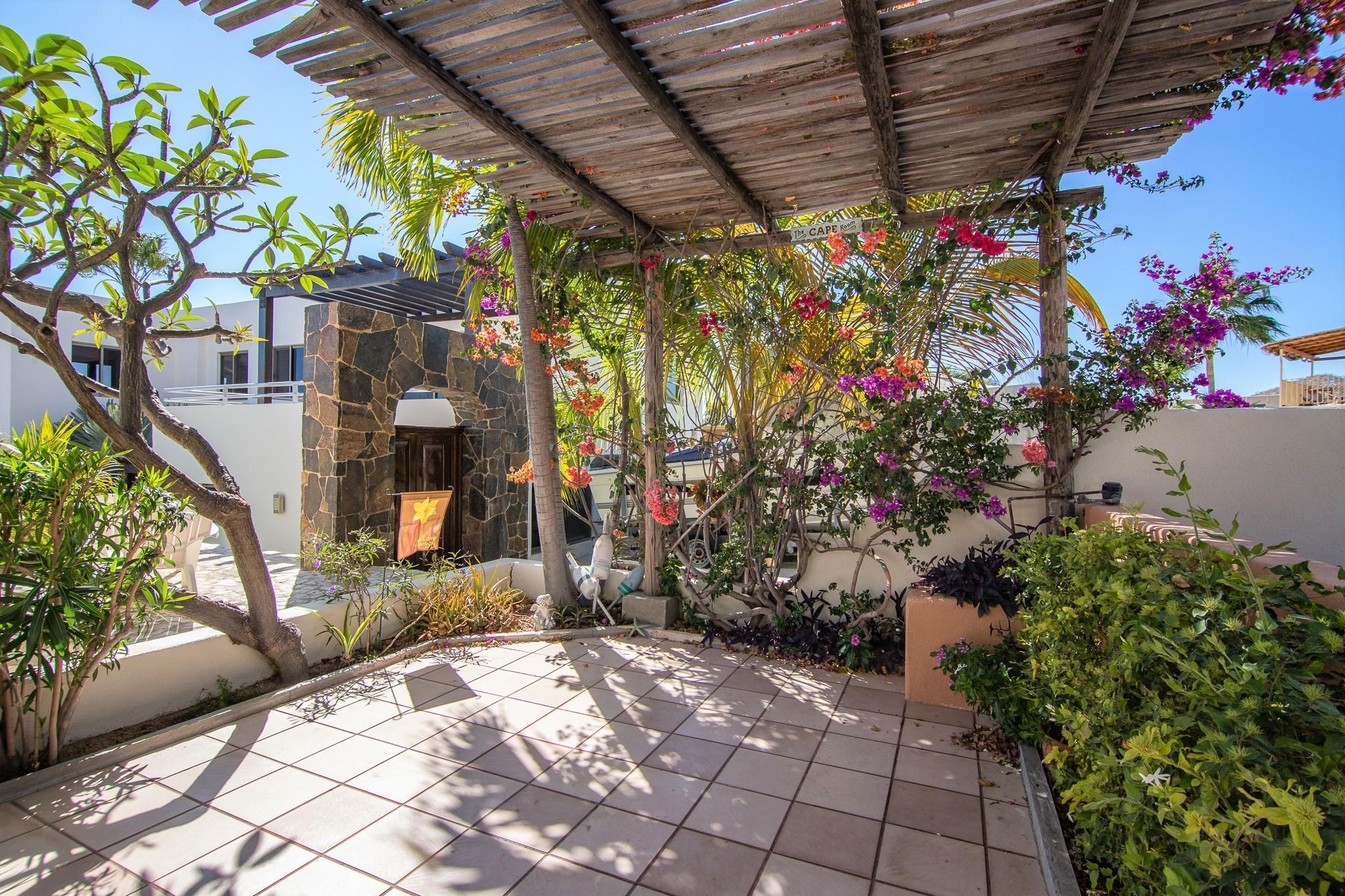 Cabo Corridor, 6 Bedrooms Bedrooms, ,6 BathroomsBathrooms,House,For Sale,Cabo Bello,19-780