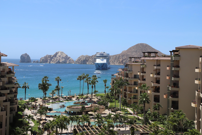 Cabo San Lucas, 2 Bedrooms Bedrooms, 2 Rooms Rooms,3 BathroomsBathrooms,Condo,For Sale,Medano Beach,19-998