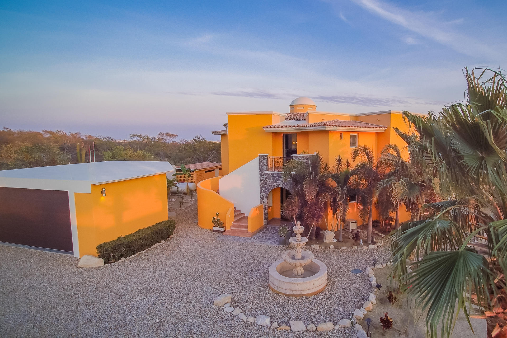 Cabo Corridor, 6 Bedrooms Bedrooms, ,6 BathroomsBathrooms,House,For Sale,Invest with an Immediate ROI,19-1292