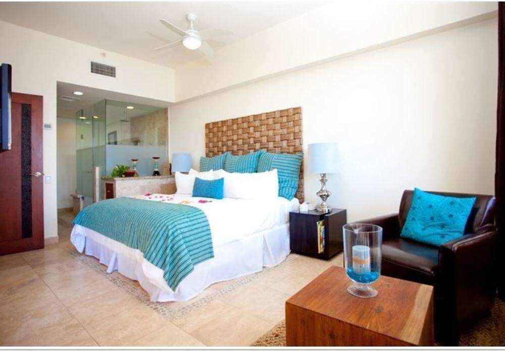 Cabo San Lucas, 2 Bedrooms Bedrooms, 6 Rooms Rooms,2 BathroomsBathrooms,Condo,For Sale,Cabo Villas / Medano Beach,19-1397