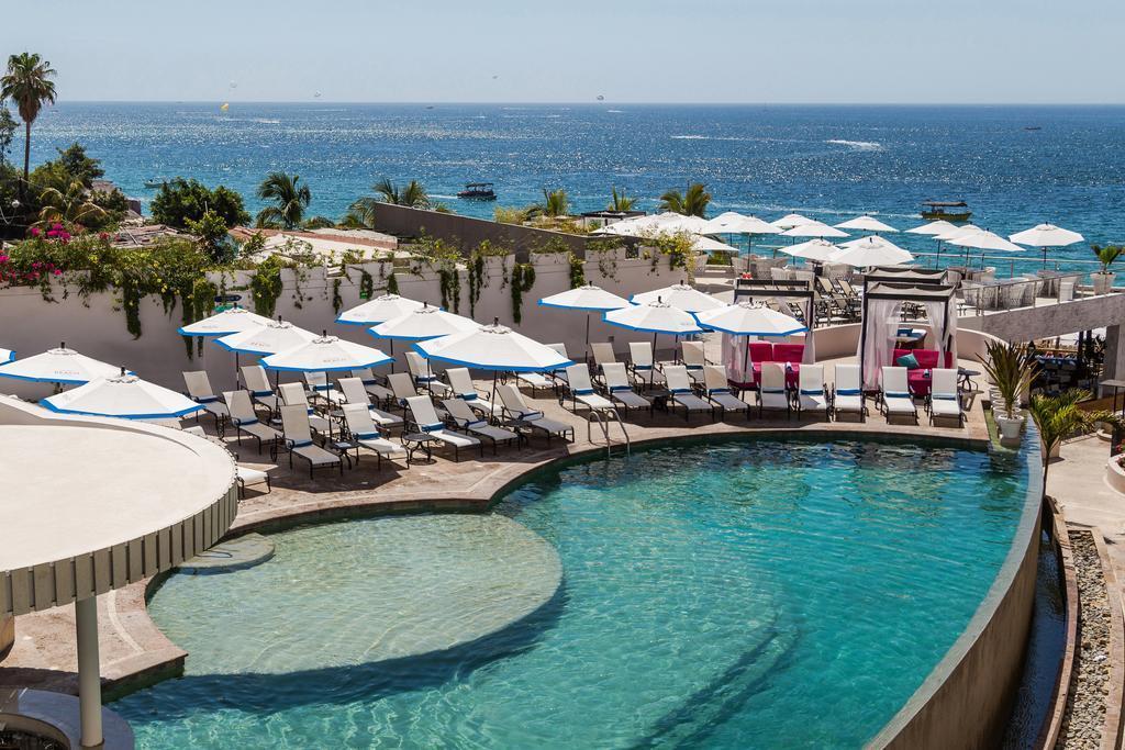 Cabo San Lucas, 2 Bedrooms Bedrooms, 6 Rooms Rooms,2 BathroomsBathrooms,Condo,For Sale,Cabo Villas / Medano Beach,19-1392
