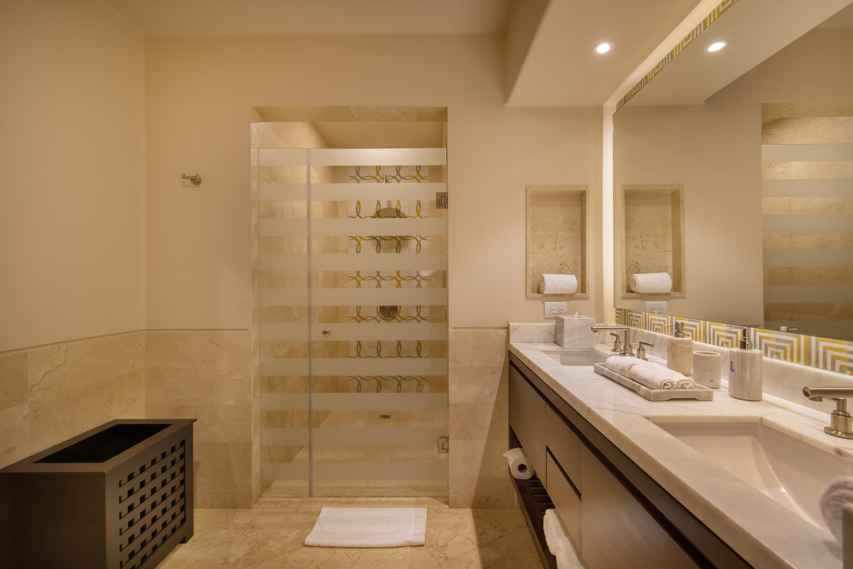 Cabo San Lucas, 3 Bedrooms Bedrooms, ,3 BathroomsBathrooms,Condo,For Sale,Diamante,19-997