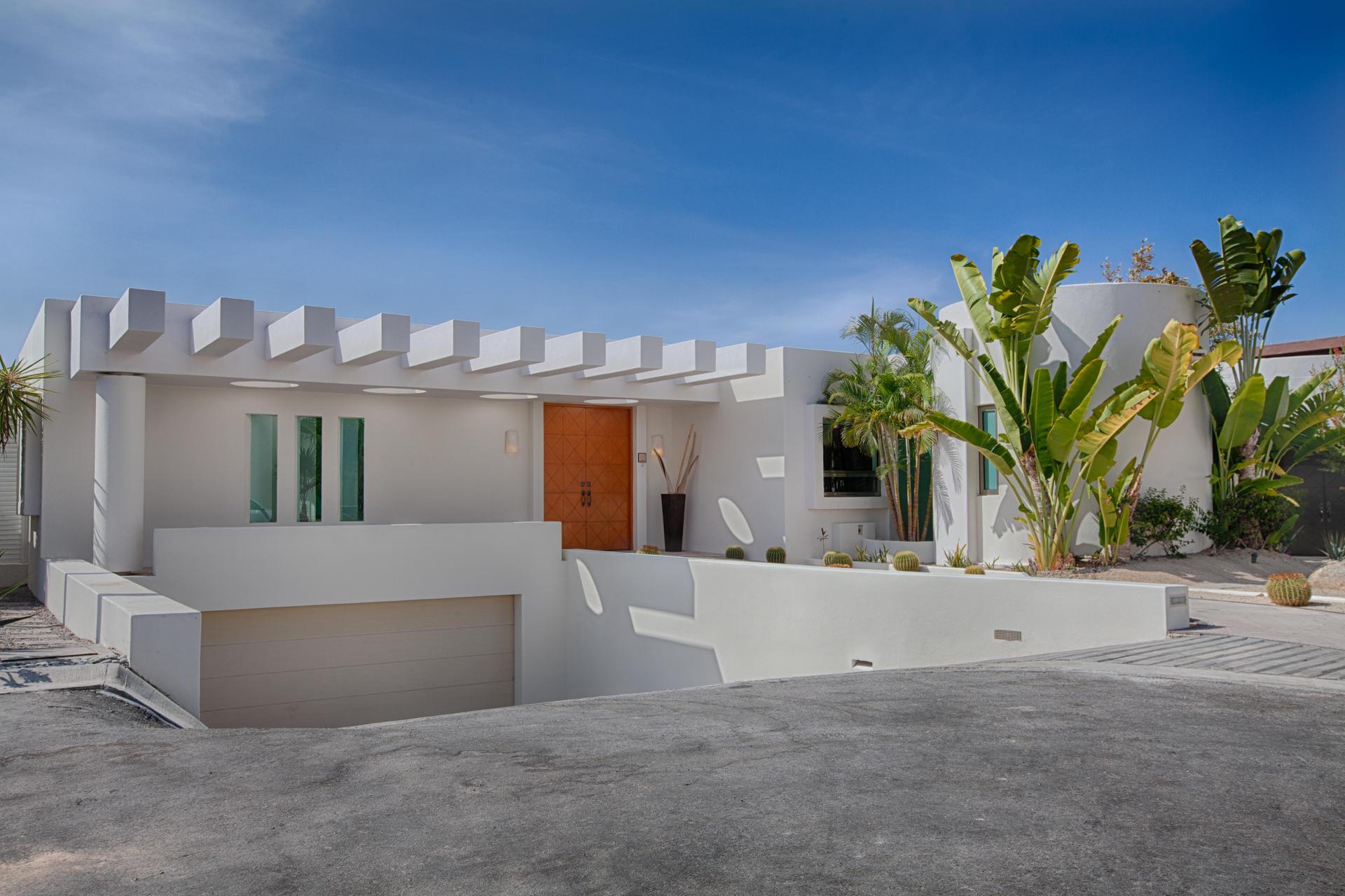 Oceanfront Villa Blue Sea-1