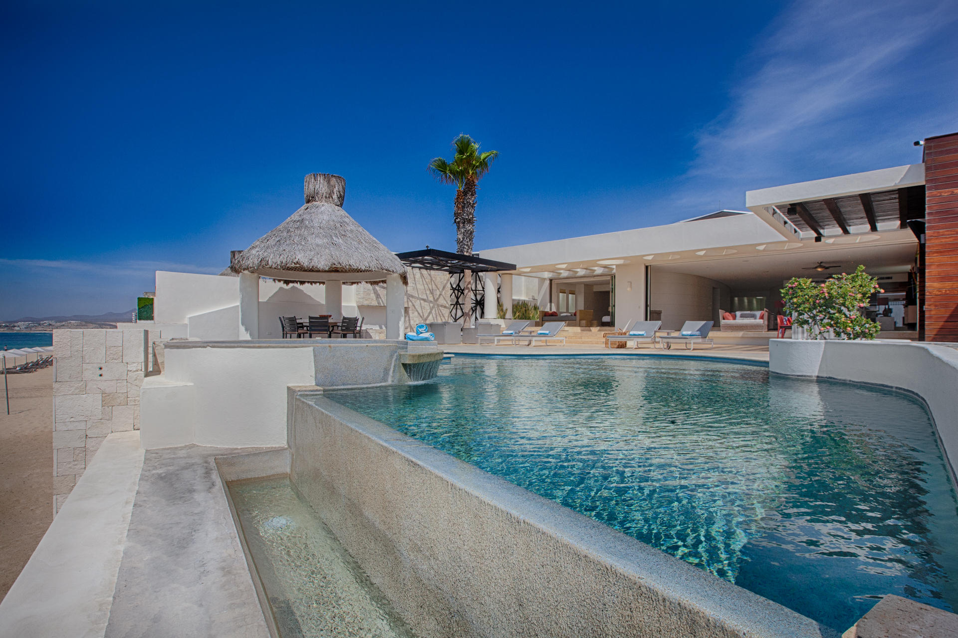 Oceanfront Villa Blue Sea-4