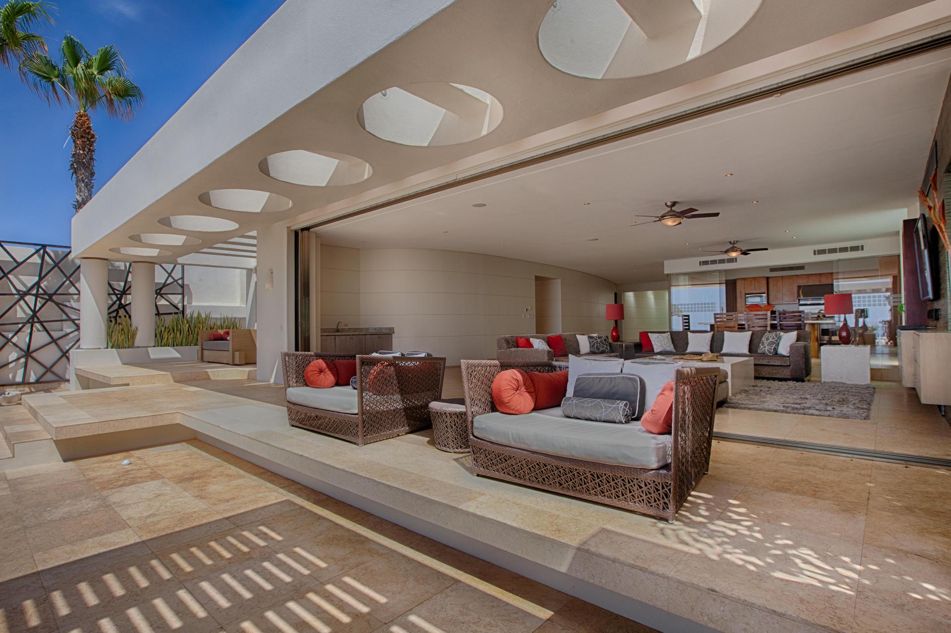 Oceanfront Villa Blue Sea-8