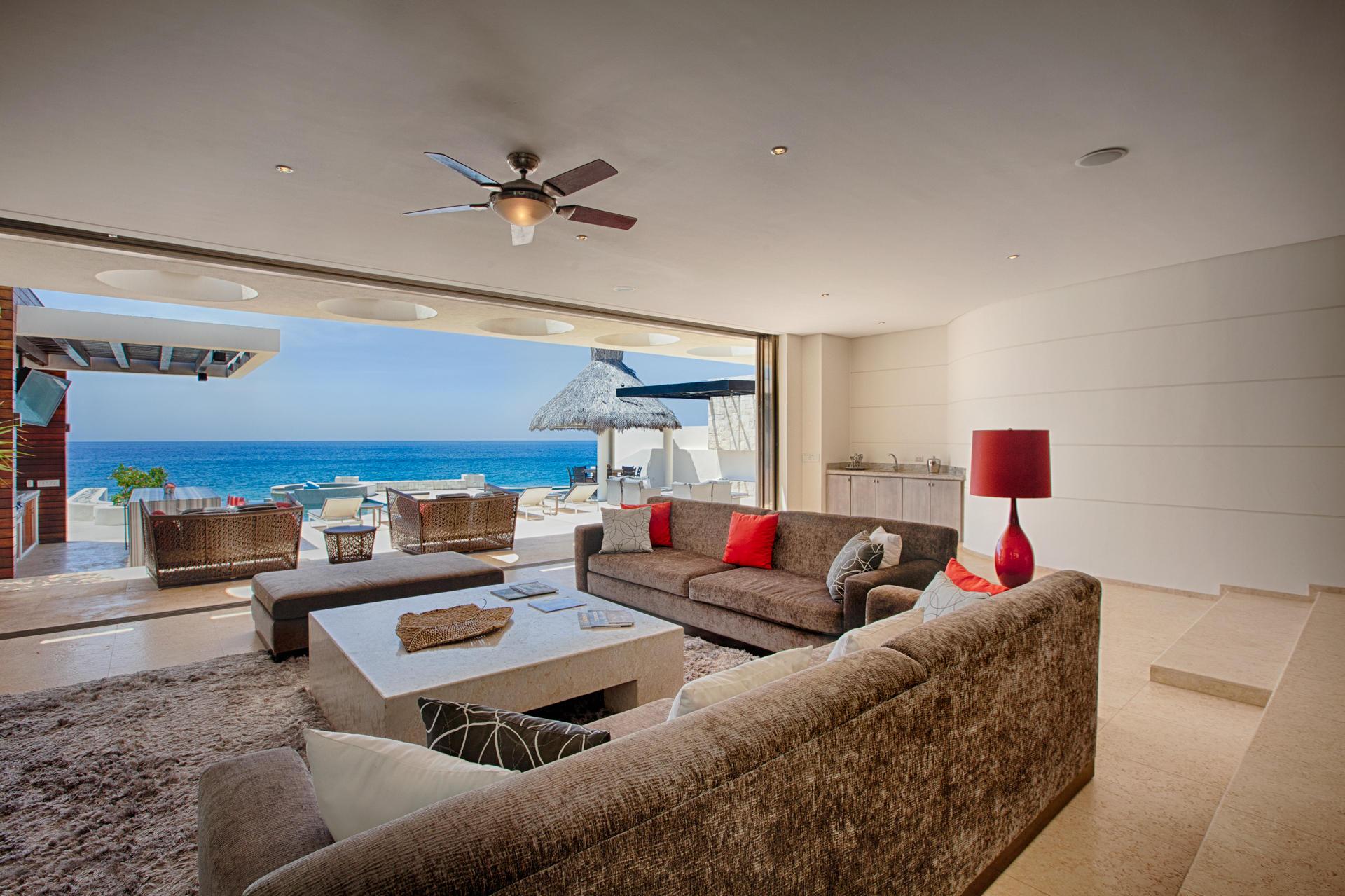 Oceanfront Villa Blue Sea-12