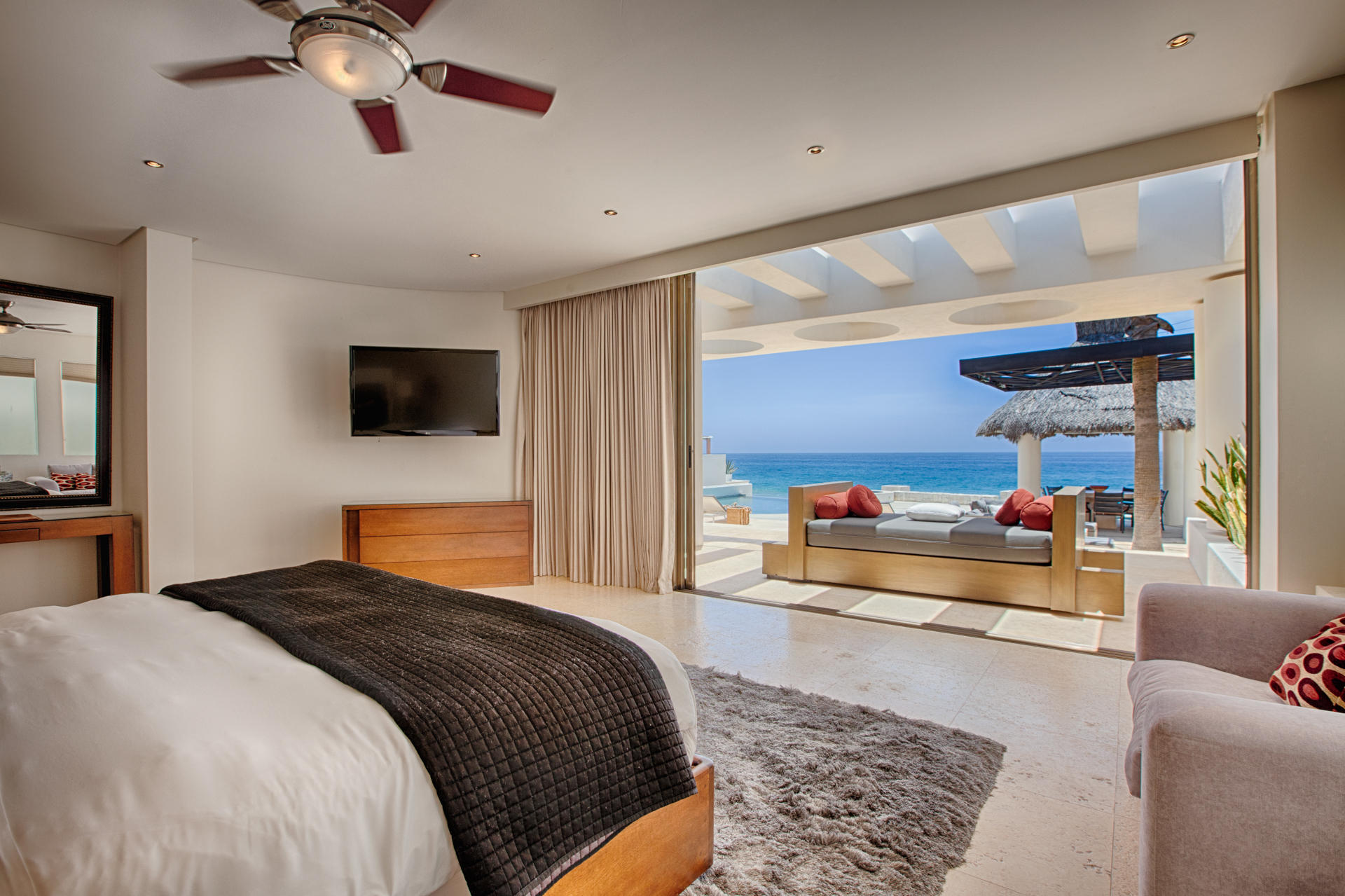 Oceanfront Villa Blue Sea-18