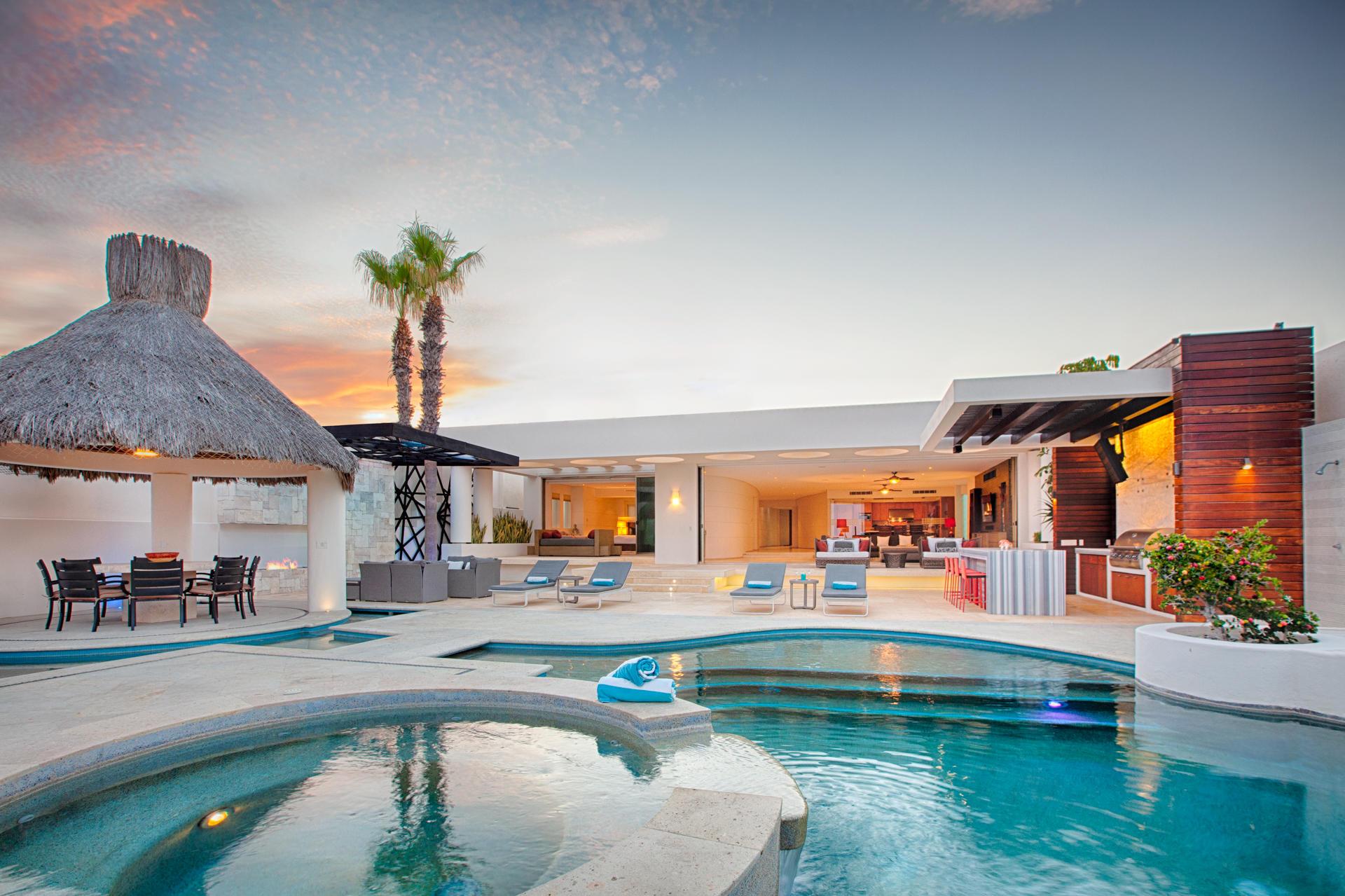 Oceanfront Villa Blue Sea-37