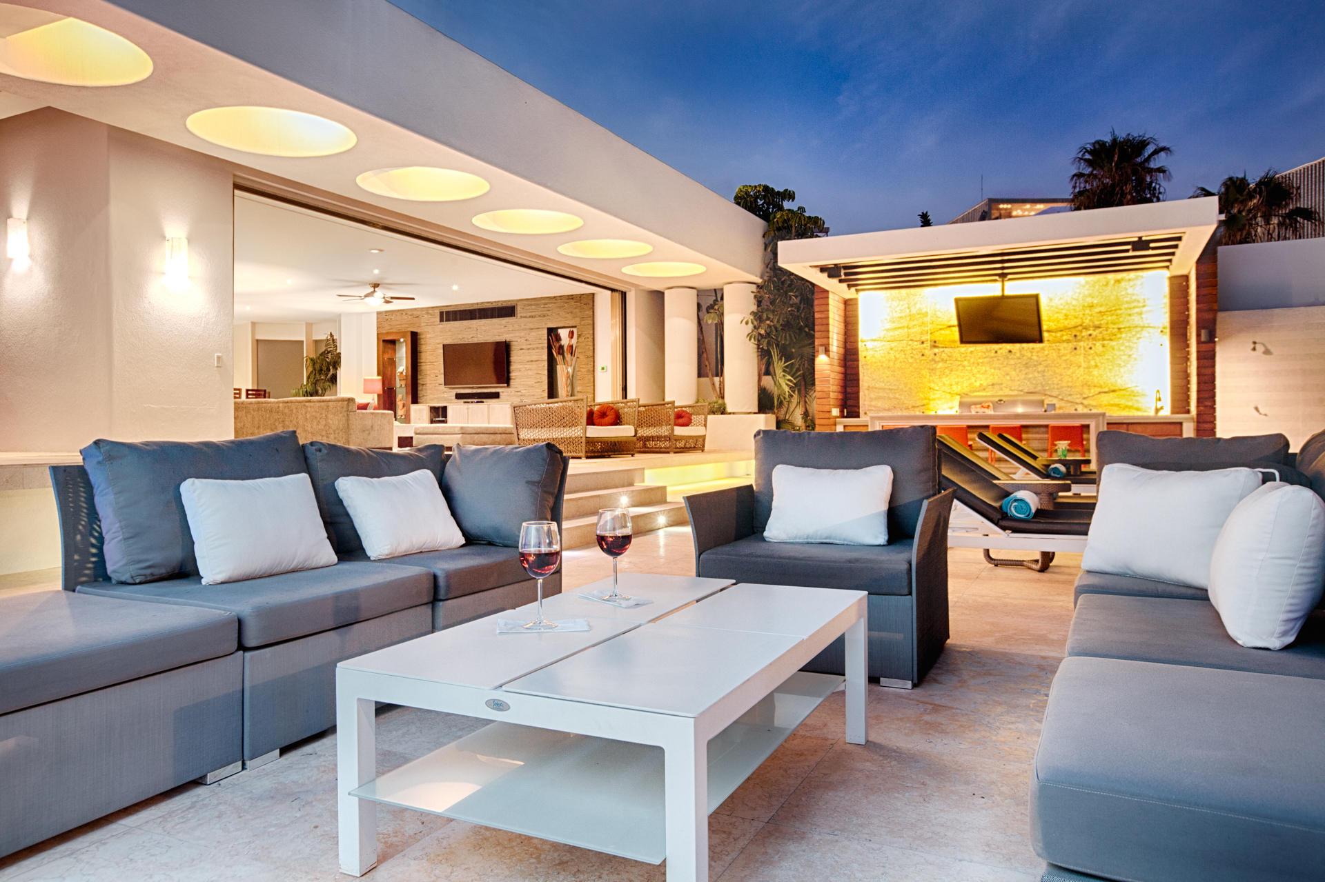 Oceanfront Villa Blue Sea-34