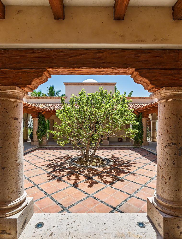 San Jose Corridor, 9 Bedrooms Bedrooms, ,10 BathroomsBathrooms,House,For Sale,Caleta Loma,16-1582