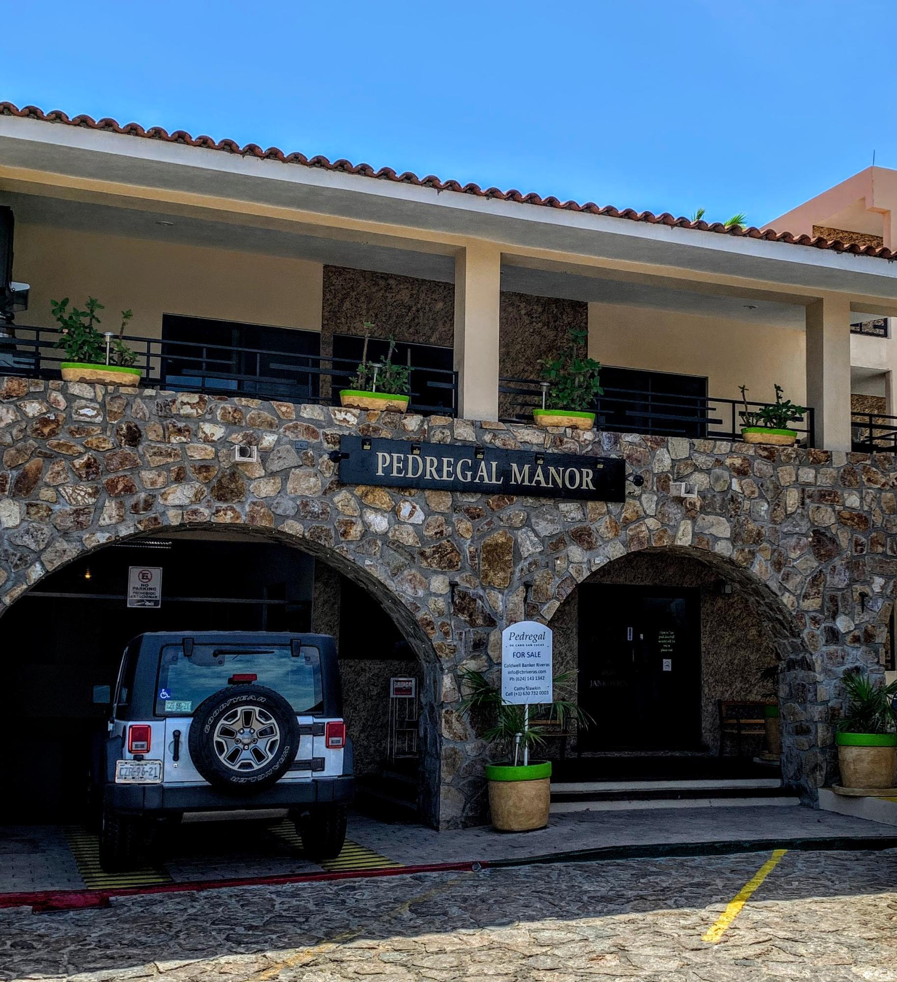 Pedregal Manor