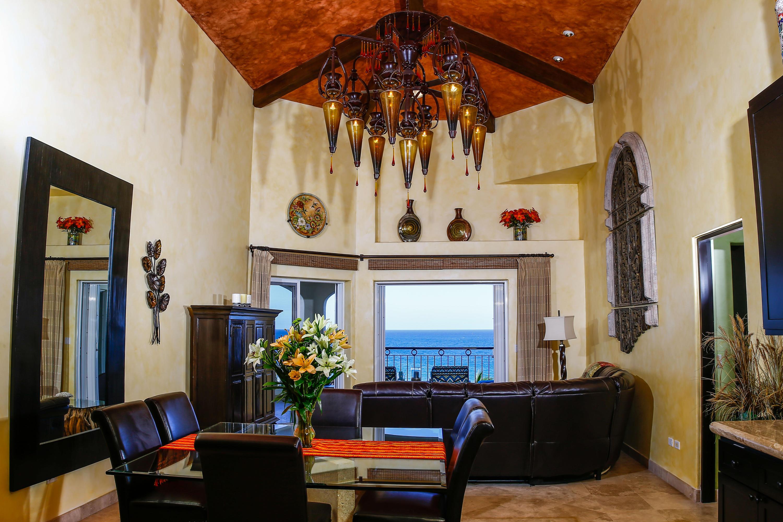 San Jose del Cabo, 2 Bedrooms Bedrooms, 7 Rooms Rooms,2 BathroomsBathrooms,Condo,For Sale,Paseo Malecon San Jose,19-2429