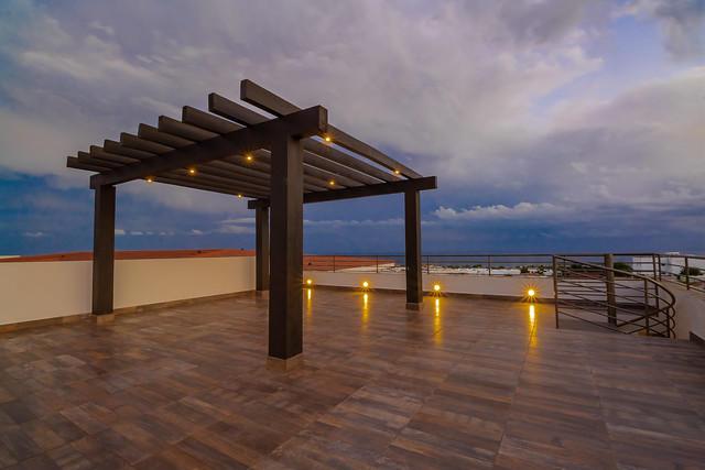 2 Bdrm Rooftop Deck Financing