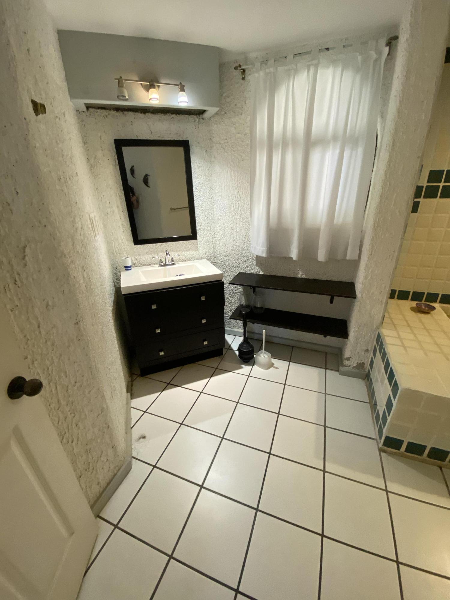 Cabo Corridor, 1 Bedroom Bedrooms, 2 Rooms Rooms,1 BathroomBathrooms,Condo,For Sale,CM 7 Poste 154110,19-2804