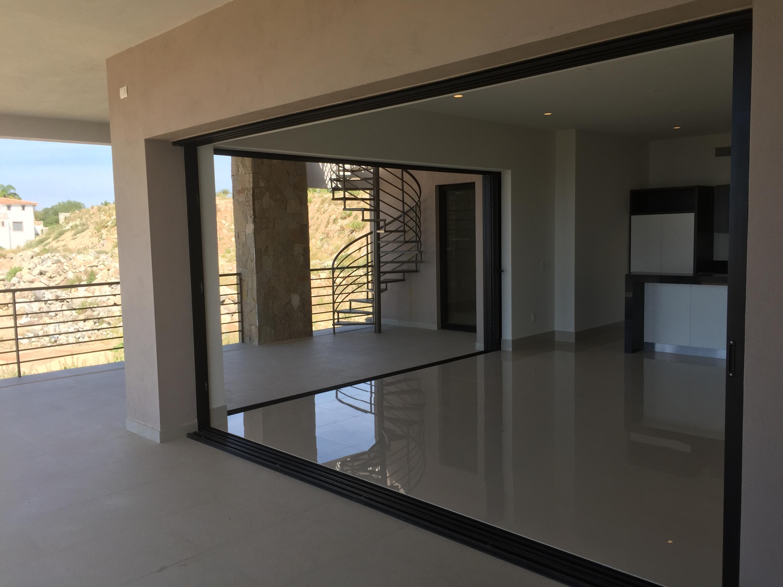 Rooftop Deck 3 Bdrm Financing-5