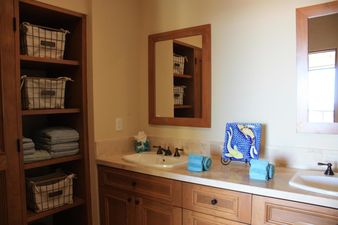 Pacific, 2 Bedrooms Bedrooms, ,2 BathroomsBathrooms,Condo,For Sale,Via de Lerry,20-17