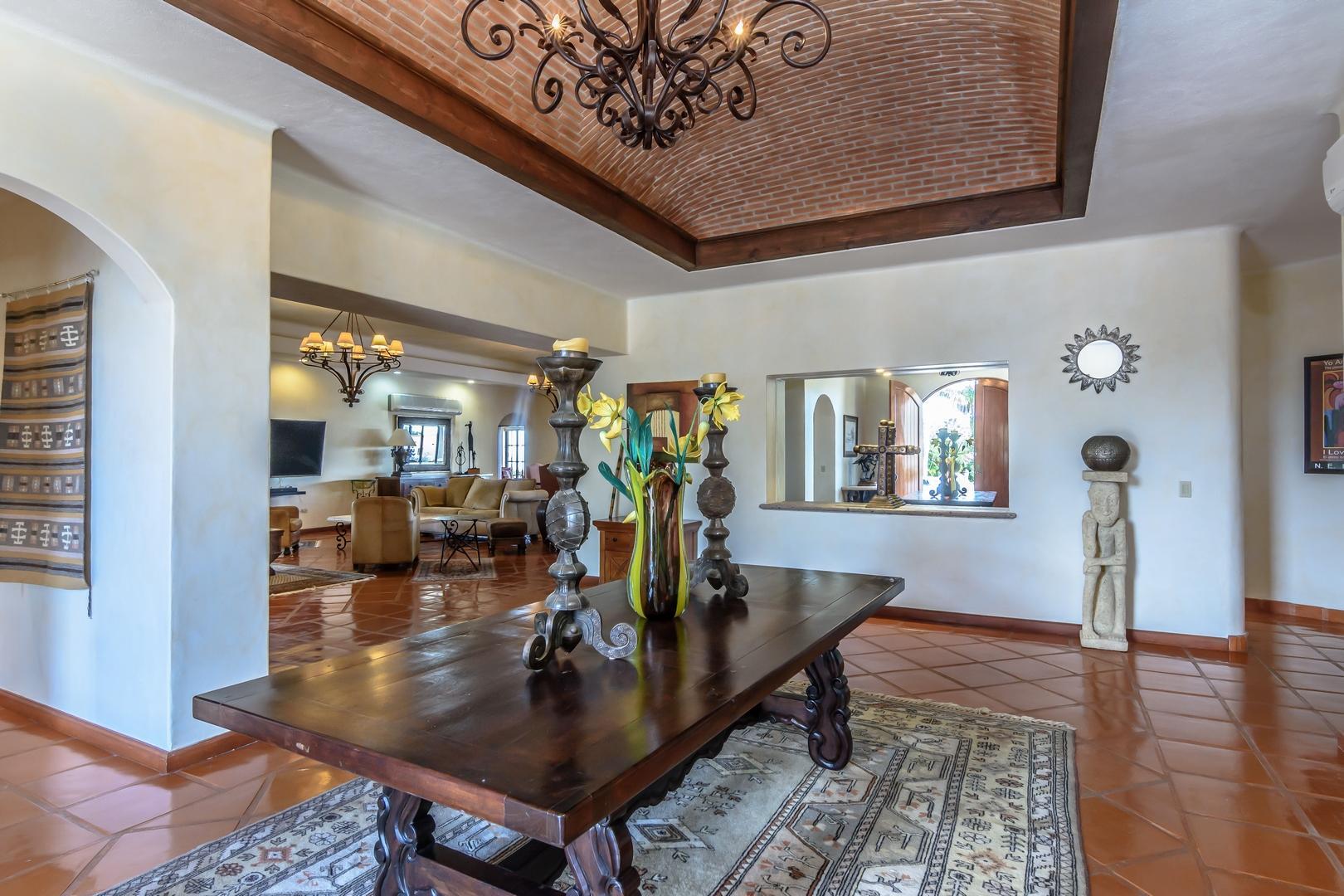 San Jose Corridor, 8 Bedrooms Bedrooms, ,8 BathroomsBathrooms,House,For Sale,Bugambilias,20-197