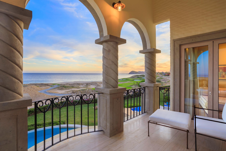 Beachfront Villa Perdiz-2