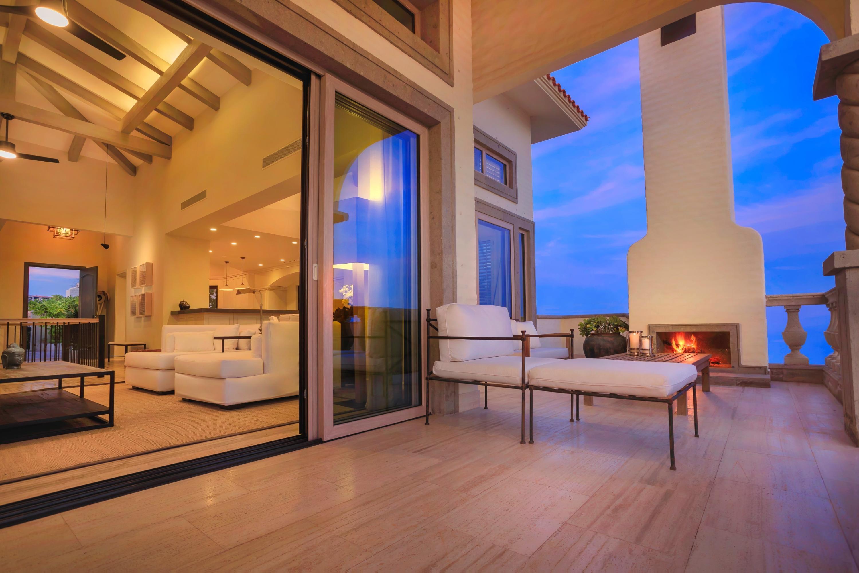 Beachfront Villa Perdiz-3