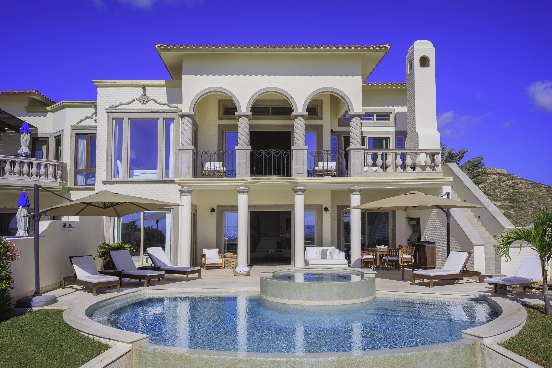 Beachfront Villa Perdiz-8