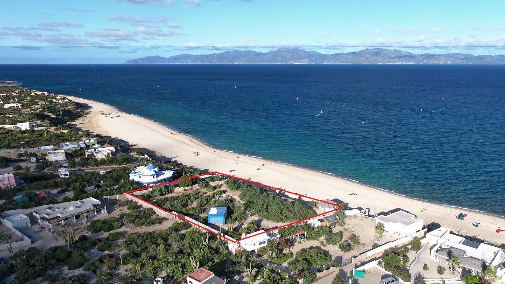 Mokies Beachfront Paradise-2