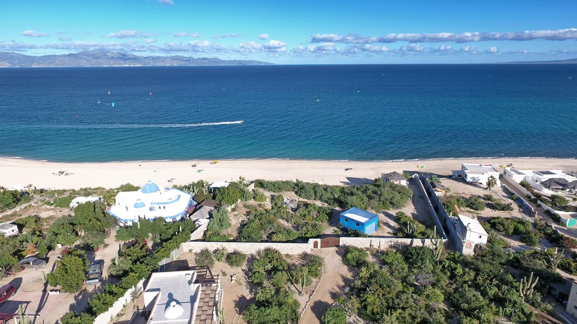 Mokies Beachfront Paradise-3
