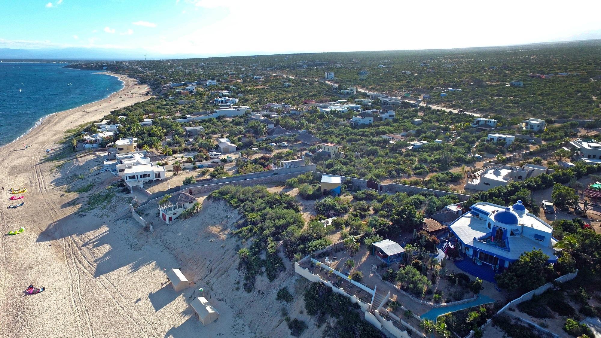 Mokies Beachfront Paradise-4
