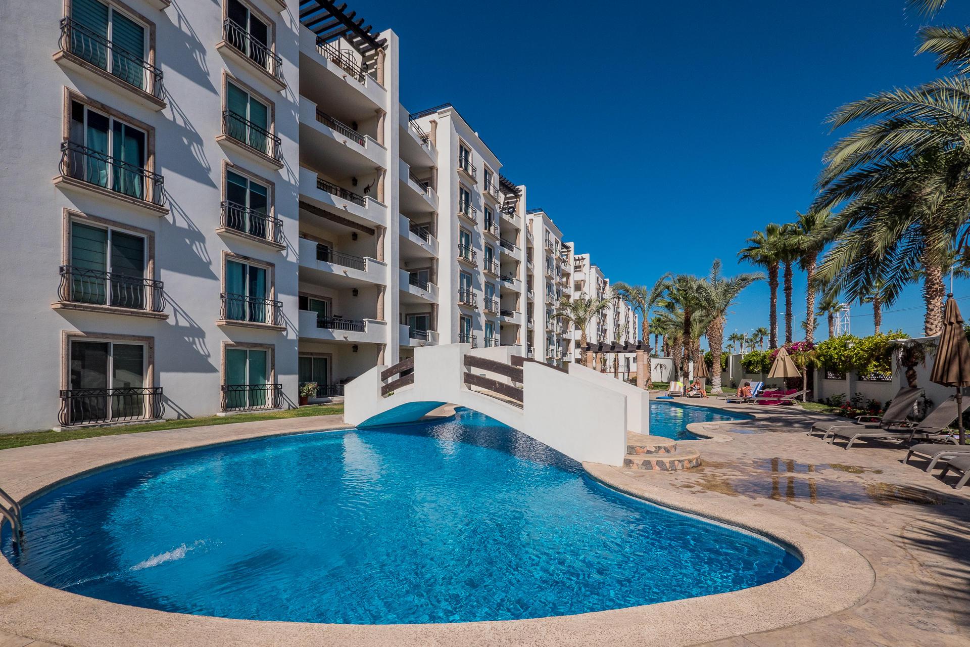 Cabo San Lucas, 2 Bedrooms Bedrooms, ,2 BathroomsBathrooms,Condo,For Sale,Blvd Constituyentes,20-357