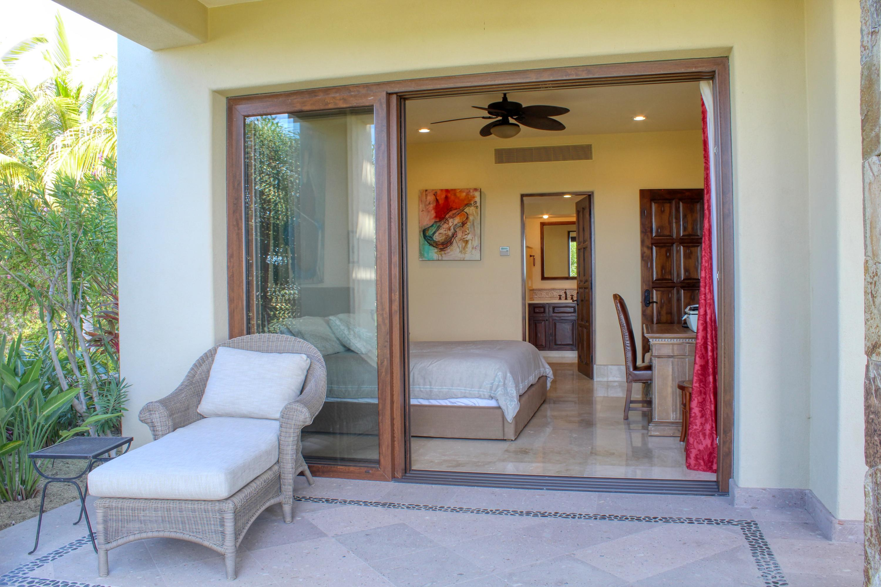 San Jose del Cabo, 3 Bedrooms Bedrooms, ,3 BathroomsBathrooms,Condo,For Sale,Av. San Javier,18-796