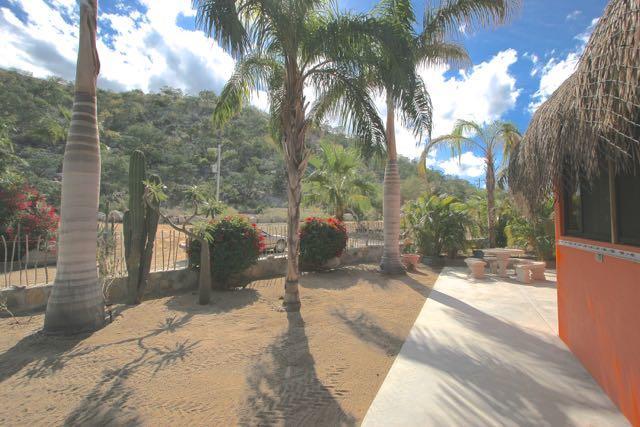 East Cape, 2 Bedrooms Bedrooms, ,1 BathroomBathrooms,House,For Sale,Casa Memo,20-839