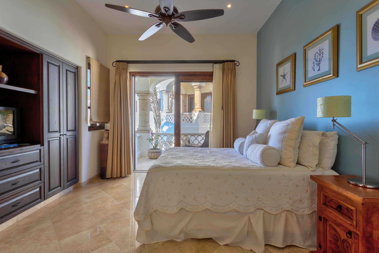 San Jose del Cabo, 2 Bedrooms Bedrooms, 5 Rooms Rooms,2 BathroomsBathrooms,Condo,For Sale,Jose Maria Morelos,19-1382