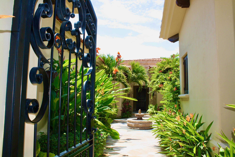 Hacienda Villa 306-16