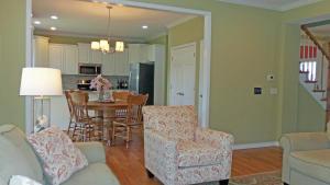 Property Photo: #9-family room