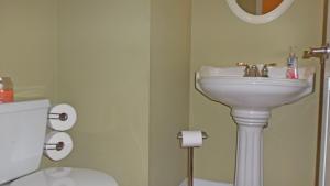 Property Photo: #39-half bath