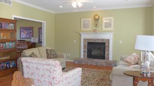 Property Photo: #5-family room