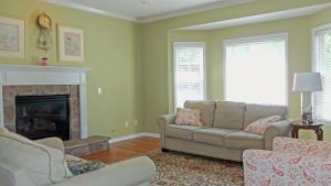 Property Photo: #6-family room